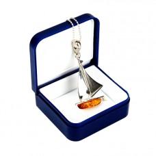 Srebrny wisiorek z łańcuszkiem - Duża Łódka z bursztynem
